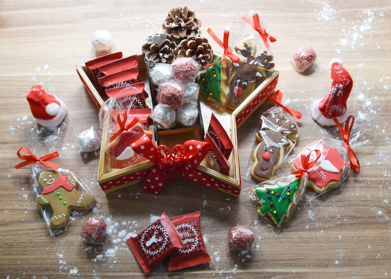 Chocolate and Cookies Package Gift Set